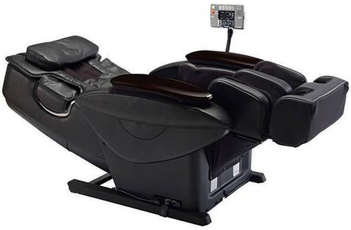 Panasonic EP30007 Massage chair in a Reclined Position