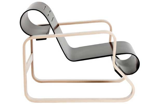 Side view of the Paimio Armchair 41